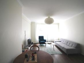A 350m de la grand place - Bel appartement entièrement rénové avec gout de +/- 60m² - Hall d'entre - Lumineux living avec cu