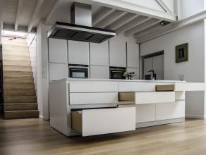 Au coeur de Bruxelles - A deux pas de Sainte Catherine et Jardin Botanique - Magnifique loft meublé de +/-200m² aux equipements d'exceptio