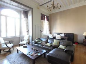 Quartier parc Elisabeth - Luxueux appartement de +/-130m²  rénové avec une superbe hauteur de plafonds - (Option meublé +300