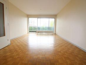 Quartier de Charmille - Dans un immeuble des années 1970 - Magnifique appartement de +/- 85 m² avec terrasse - Hall d'entrée avec v