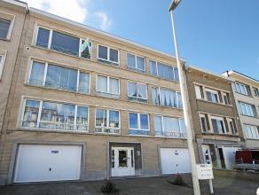 Op te frissen appartement met twee slaapkamers op centrale locatie te Deurne. <br /> <br /> Dit appartement op de tweede verdieping omvat een inkomhal