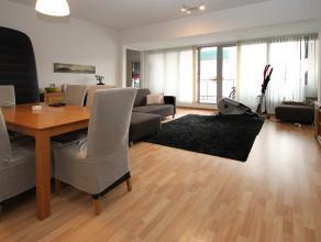 Recent appartement op de tweede verdieping (+ lift) met één slaapkamer en terras met zuid-oriëntatie te Antwerpen!<br /> <br /> Dit