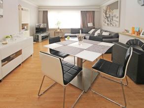Instapklaar en knus appartement met twee slaapkamers op centrale locatie te Deurne!<br /> <br /> Dit appartement omvat een inkomhal, leefruimte (25m&s