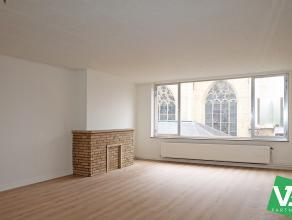 Instapklaar appartement met twee slaapkamers op toplocatie te Antwerpen. <br /> <br /> Dit appartement op de tweede verdieping geniet volgende indelin