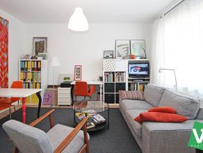Zeer mooi gerenoveerd appartement op de eerste verdieping met één slaapkamer te Berchem!<br /> <br /> Dit appartement geniet veel lichti
