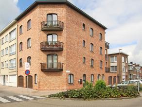 Prachtig appartement met twee slaapkamers en terras op goede locatie te Wilrijk. <br /> <br /> Dit ruim appartement op de derde verdieping geniet volg