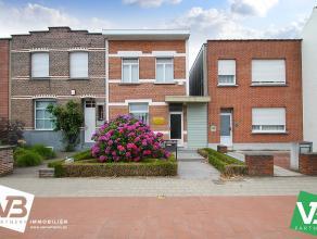 Te renoveren woning met ruime tuin op een centrale locatie te Wommelgem.<br /> <br /> De woning wordt momenteel gebruikt als kantoor en biedt veel mog