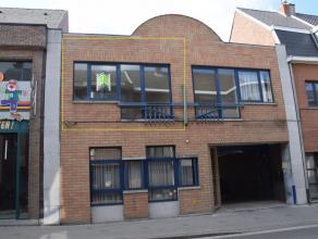 Knus appartement in het centrum van Aalst! Appartement gelegen op de 1ste verdieping (geen lift), omvattende inkomhal, apart toilet, douchekamer, leef