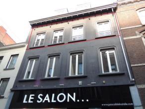 Superbe appartement 2 chambres entièrement rénové, situation idéale dans une rue calme et à 50m du Projet Rive Gauc