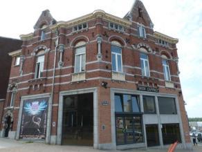 Magnifique et Luxueux Immeuble ( + - 350 M² ) entièrement rénové en 2013 comprenant une partie Bureau, Bar, Surface Commerci