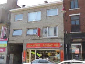 Appartement 2 chambres avec emplacement de parking et cave situé dans le centre-ville à proximité de toutes commodités (co