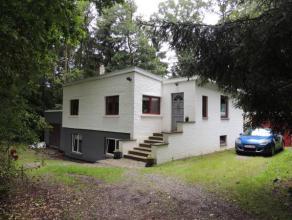 ROLY ( PHILIPPEVILLE ) : Belle Villa 4 façades rénovée 3 chambres sur terrain arboré de 24 ares avec 2 Garages situ&eacute
