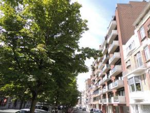 Bel appartement de +/- 95 m² avec 3 chambres, terrasse,garage situé dans le centre ville à proximité des commerces, é
