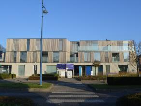 Prachtig nieuwbouwappartement met 2 slaapkamers en 2 ruime zonneterrassen (19 & 52 m²) in centrum van Herentals. Dit appartement bestaat uit