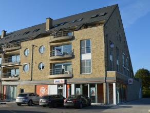 Recent luxueus afgewerkt appartement met 2 slaapkamers in centrum Herentals.Dit ruim appartement bestaat uit inkomhal/ vestiaire met gastentoilet, lee