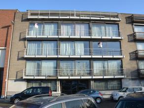 Zeer goed gelegen instapklaar appartement in centrum van Herentals nabij openbaar vervoer en station.Dit appartement bestaat uit ruime inkomhal, leefr