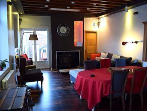 Charmante habitation rénovée avec soin idéalement située.!!! Idéal 1er achat !!!Rez de chaussée : Un hall d'