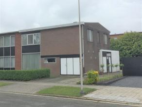 EDEGEM - ELSDONK: INGENIEUR HASAERTSLAAN 68 Residentieel gelegen te renoveren half open bebouwing d.d 1960 met BIJZONDER veel lichtinval. De woning be