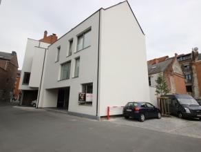 Idéalement situé dans le centre-ville de Namur, sympathique et agréable bureau de +/- 40 m² possédant une position g&