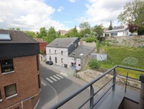 Situé à proximité du centre-ville de Namur et de la gare des trains, superbe appartement une chambre de +/- 47 m² habitable