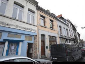 Prix indicatif:149.500 euroNous vous proposons à la vente,cette maison de ville à rafraîchir de +/- 150 m² habitables. Elle e