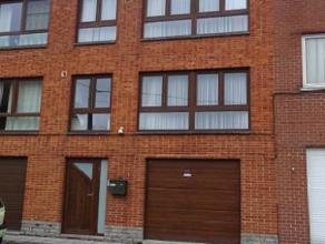 Prix indicatif 120.000 euro A voir absolument!Nous vous proposons à la vente cette belle maison unifamiliale de type bel-étage. Elle est