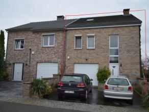 4430 ANS. Maison 3 façades ( construction de 2000), dans un clos au calme et à proximité des proximités. Composée a