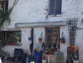 4100 Seraing - Rue du Val Saint Lambert 57/6. Maison à rénover, en retrait de la route (accès par une ruelle piétonne) sur