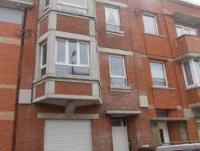 Appartement Situé au rez de chaussée d'une maison de caractère . Appartement : 1 chambre de 14m2 , 1 séjour de 16m2 , 1 cu