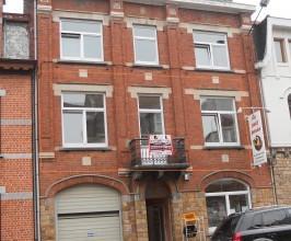 Situé dans le haut de l'Avenue Mulendorff 143 (1er étage) , près de la Place d'Arles, voici un bel appartement au 1er étag