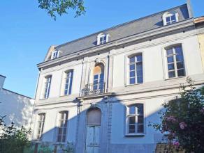 FAIRE OFFRE A PARTIR DE 400.000euro (ceci n'est pas le prix souhaité). Splendide maison de maître, en plein centre de Mons, datant du 18&