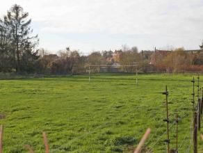 FAIRE OFFRE A PARTIR DE 63.000euro (ceci n'est pas le prix souhaité). terrain à bâtir de 19A38CA situées sur la commune de