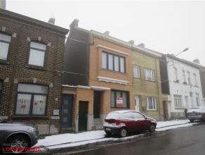 Rue des Grogères, 61 - Maison 3 façades avec passage latéral privatif, A RAFRAICHIR D'OÙ SON LOYER BAS (PAS DE CUISINE EQU