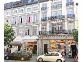 Réf.: 837. Bel immeuble de rapport idéalement situé près de la gare de Mons! Il est composé :2 commerces, 11 studio