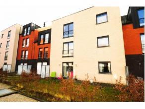 Réf.: 911.Magnifique appartement une chambre de plain-pied avec jardinet à 15 min à pied du centre de Mons.Il se compose: d'un s&