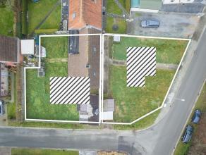 Bouwgrond met af te breken woning met mogelijkheid te verkavelen voor 2 open bebouwingen! Grondoppervlakte: 886m2. Zeer gunstige locatie in rustige st
