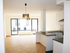 Gelegen in het centrum van Mechelen bij het Claerenshof.<br /> Dit appartement is volledig gerenoveerd en smaakvol afgewerkt met luxe-materialen.<br /