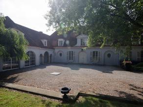 """Deze exclusieve prestigieuze villa te Temse is gelegen op een boogscheut van """"de Zaat"""", vlakbij de Schelde en geniet gemakkelijke verbindingen naar Br"""