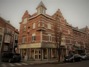 In de Leopold II straat ter hoogte van nummer 32 vinden we deze bemeubelde studio terug. <br /> <br /> De studio zelf is gelegen op de tweede verdiepi