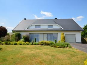 VILLA OP TOPLOCATIE - 4 SLPK, GARAGE en MOOIE TUIN<br /> <br /> Deze knappe villa is gelegen op de Moggeweidestraat in Alken: een residentiële, k