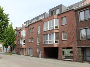 Nabij het station en diverse grootwarenhuizen bevindt zich de Ambachtsschoolstraat. Hier werd in de jaren '80 ter hoogte van nummer 35 dit appartement