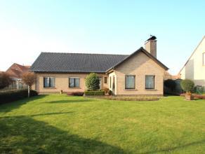 Deze ruime gelijkvloerse villa werd voor de eerste maal bewoond in 1981. De woning werd zeer goed onderhouden en is in goede staat. De woning is volle