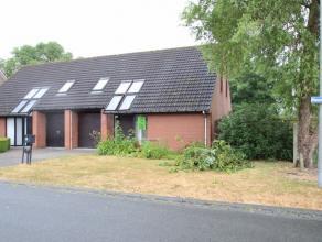 Half open woning met rustige ligging op wandelafstand van het centrum van Beveren.De woning is gelegen in een rustige woonwijk, vlotte verbinding met