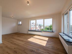 Héél mooi afgewerkt appartement op de hoogste verdieping in een aangename kleinschalige residentie. Ideaal gelegen op wandelafstand van