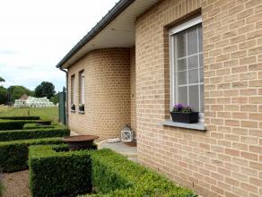 Deze ruime woning, landelijk gelegen te Meerhout, is voorzien van alle comfort. In de woonkamer geniet u van veel natuurlijk licht. Aanpalend vindt u