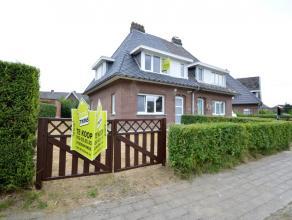 Gerenoveerde woning te Dendermonde Deze gerenoveerde gezinswoning is gelegen in een rustige en kindvriendelijke woonwijk, op enkele voetstappen van sc