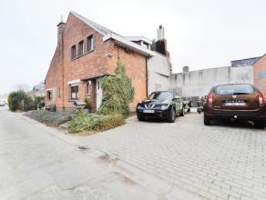 Woning gelegen in doodlopende straat in nabijheid van het centrum. Deze woning is gelegen in een doodlopende straat in de nabijheid van het centrum va