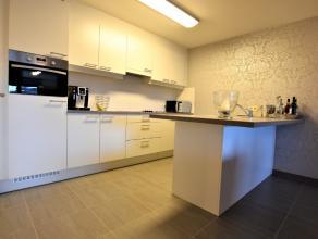 Prachtig nieuwbouw appartement met garage te huur te Dendermonde. Prachtig appartement afgewerkt met hoogwaardige materialen, dit appartement is geleg