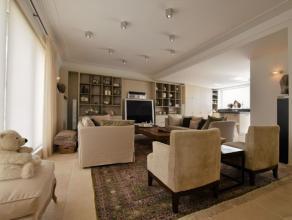 Uniek volledig gerenoveerde woning met commerciële ruimte en tal van mogelijkheden in het centrum van Dendermonde Dit instapklaar huis is gelegen