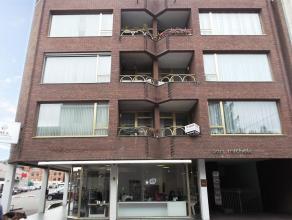 Gerenoveerd appartement, gelegen op de eerste verdieping, met 2 slaapkamers gelegen in het centrum van Turnhout.Het appartement is onlangs opnieuw ges